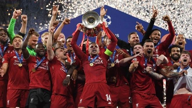 """Liverpool lần thứ 6 lên đỉnh châu Âu: Cảm xúc vỡ òa, ngả mũ nhà """"vua"""" - 9"""