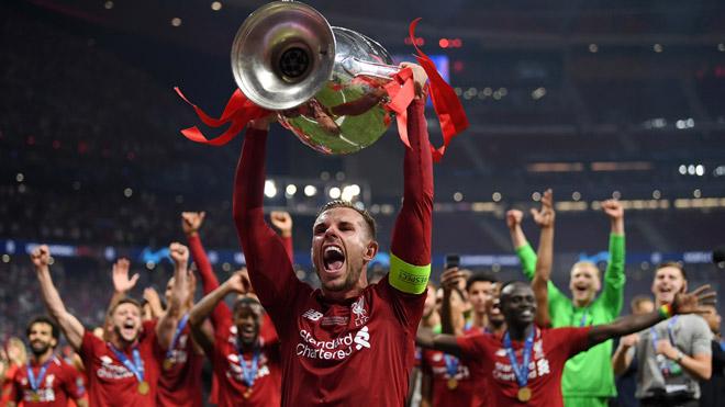 """Liverpool lần thứ 6 lên đỉnh châu Âu: Cảm xúc vỡ òa, ngả mũ nhà """"vua"""" - 12"""
