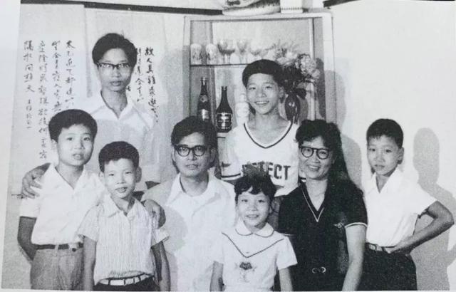 Phương pháp giáo dục đặc biệt của người cha với 6 người con đều là bác sĩ, giáo sư danh tiếng - 5