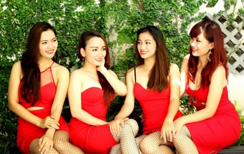 Nhóm nhạc nữ bị chỉ trích mặc phản cảm khi diễn nhạc cụ dân tộc - 4