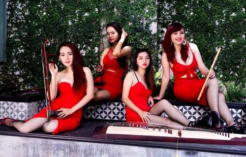 Nhóm nhạc nữ bị chỉ trích mặc phản cảm khi diễn nhạc cụ dân tộc - 5