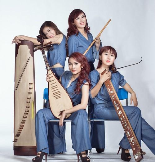 Nhóm nhạc nữ bị chỉ trích mặc phản cảm khi diễn nhạc cụ dân tộc - 6