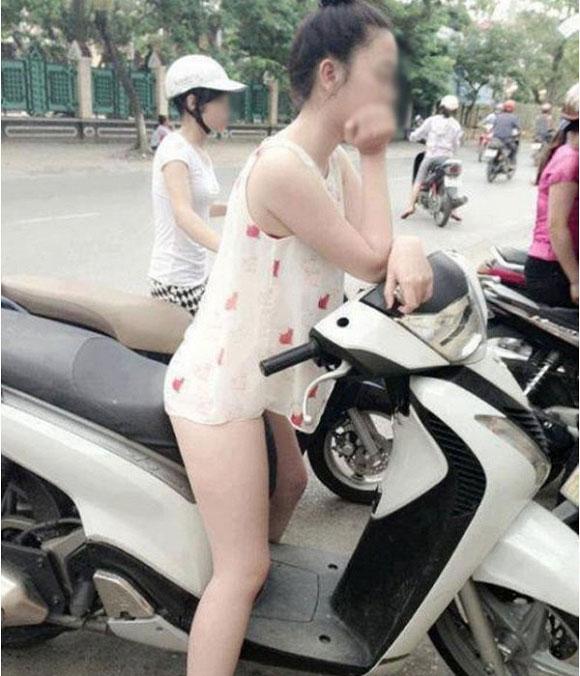 Gái trẻ mặc quần như không trên phố Sài Gòn gây xôn xao - 3