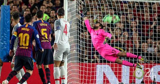 Tranh cãi siêu phẩm cúp C1: Chuyên gia chấm Ronaldo, triệu fan chọn Messi