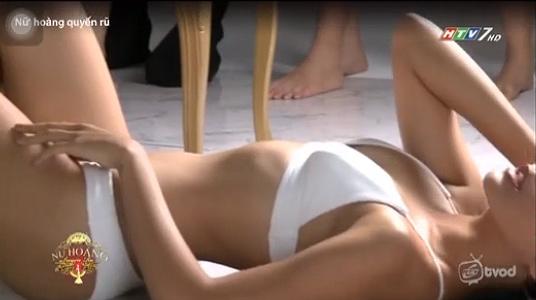 """Những cảnh tạo dáng bikini khêu gợi """"nóng mắt"""" khiến HTV phải giải trình - 9"""