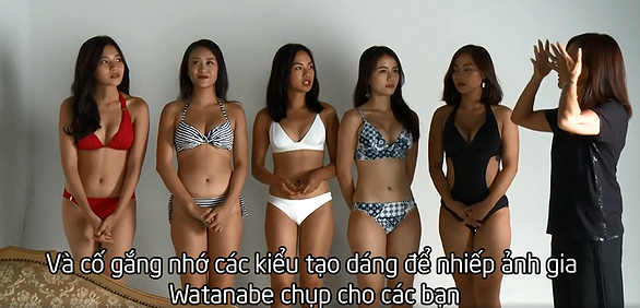 """Những cảnh tạo dáng bikini khêu gợi """"nóng mắt"""" khiến HTV phải giải trình - 10"""