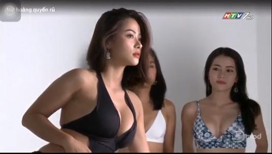 """Những cảnh tạo dáng bikini khêu gợi """"nóng mắt"""" khiến HTV phải giải trình - 11"""
