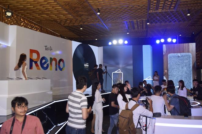 TRỰC TIẾP: Siêu phẩm Oppo Reno chính thức trình làng, giá từ 12,99 triệu đồng - 35