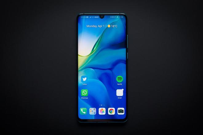 Điện thoại Huawei sẽ hết được cài sẵn Facebook, Instagram và WhatsApp - 1
