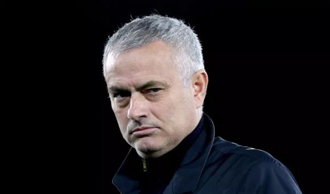 Tỷ phú UAE mua Newcastle 350 triệu bảng: Mourinho tuyên bố sốc - 1