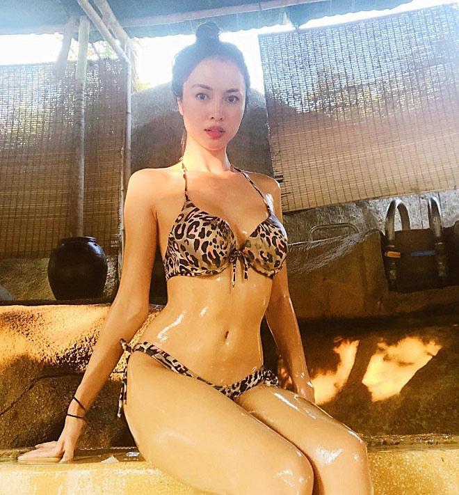 Người đẹp Việt nào mặc áo tắm hổ báo nóng bỏng nhất xuân hè? - 6