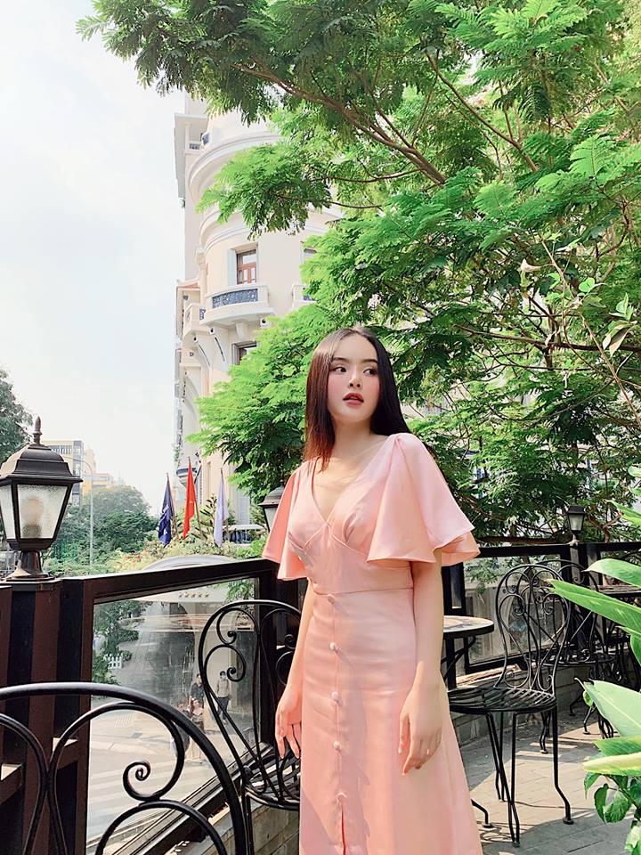 """Angela Phương Trinh bị em gái """"vượt mặt"""" vì vẻ ngoài xinh đẹp hút mắt - 8"""