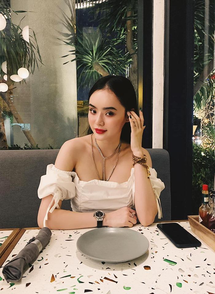 """Angela Phương Trinh bị em gái """"vượt mặt"""" vì vẻ ngoài xinh đẹp hút mắt - 7"""