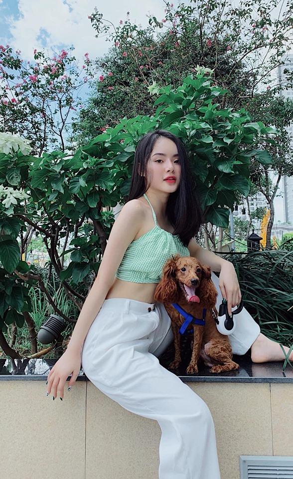 """Angela Phương Trinh bị em gái """"vượt mặt"""" vì vẻ ngoài xinh đẹp hút mắt - 6"""