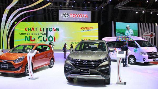 Giá ô tô tuột xích, doanh số thị trường vượt ngoài dự đoán - 1