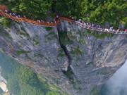 Run rẩy trên 10 cây cầu kính cheo leo trên vách đá ở Trung Quốc