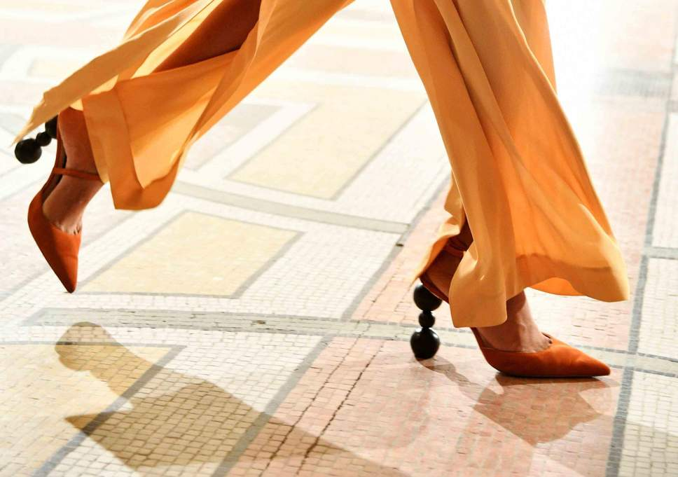 Giày trần trụi trở lại và lợi hại hơn xưa - 6