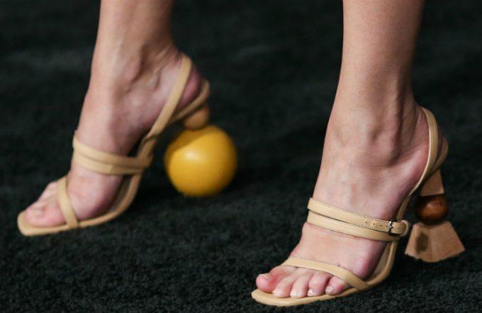 Giày trần trụi trở lại và lợi hại hơn xưa - 7