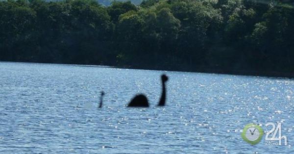 Phát hiện quái vật hồ Loch Ness bất ngờ nổi lên mặt hồ trong 1 phút