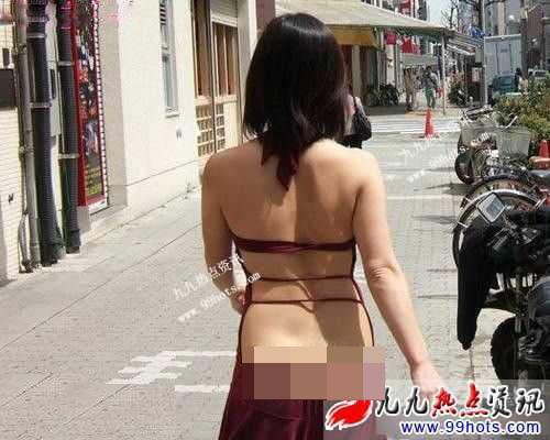"""Váy áo ra phố """"trống huơ trống hoác"""" bị chê vô duyên của phụ nữ xứ tỷ dân - 3"""