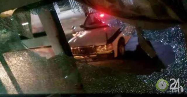 Truy tìm nhóm lạ mặt ném vỡ kính xe khách làm 1 phụ nữ bị thương