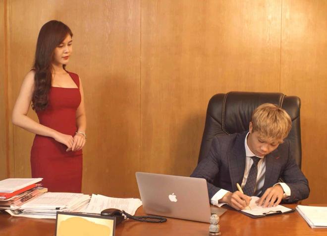 """Công Phượng bất ngờ có """"nữ thư ký"""" nóng bỏng là người quen HLV Park Hang Seo - 3"""