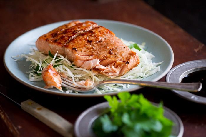 Chuyên gia dinh dưỡng tiết lộ cách ăn uống chuẩn mà không cần cho con trai trong mùa thi - 2
