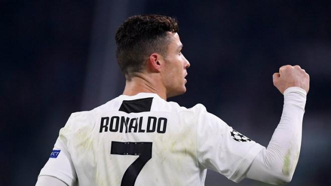 """""""Phù thủy"""" Sarri hóa phép Ronaldo: CR7 nâng cấp lên CR9 khuynh đảo Serie A - 1"""