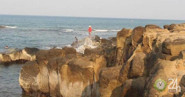 Đến Mũi Trèo vùng đất lửa Quảng Trị check in, tắm biển, săn hải sản