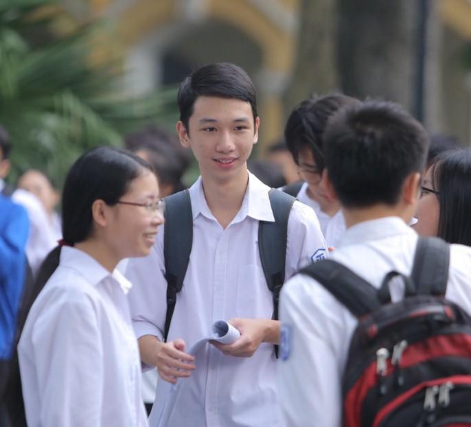 """Thi THPT quốc gia 2019: Thí sinh vào thi môn đầu tiên, hi vọng """"trúng tủ"""" - 2"""