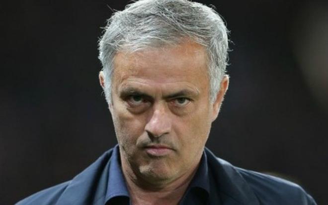 Ngoại hạng Anh rung chuyển: Tỷ phú UAE tiếp tay, Mourinho báo thù MU, Chelsea? - 1