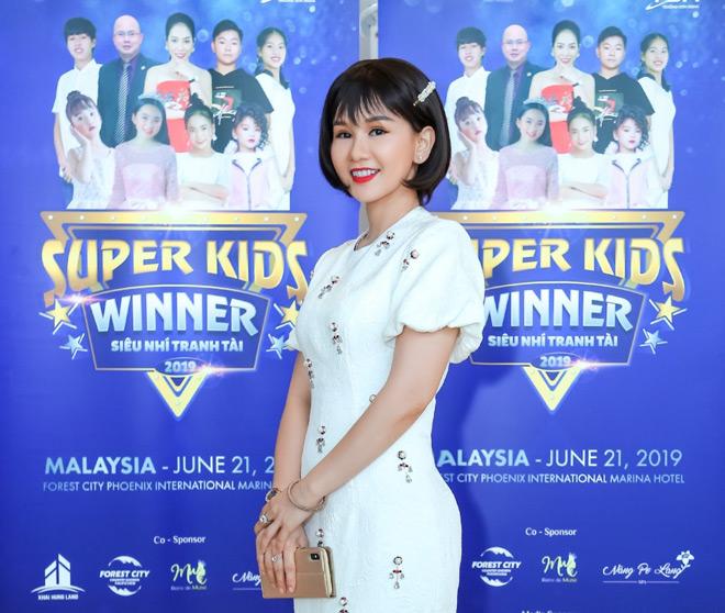 """""""Nàng Pơ Lang"""" Phạm Ngọc Huyền Trân biến hóa đa phong cách trong chuỗi sự kiện tại Malaysia - 5"""