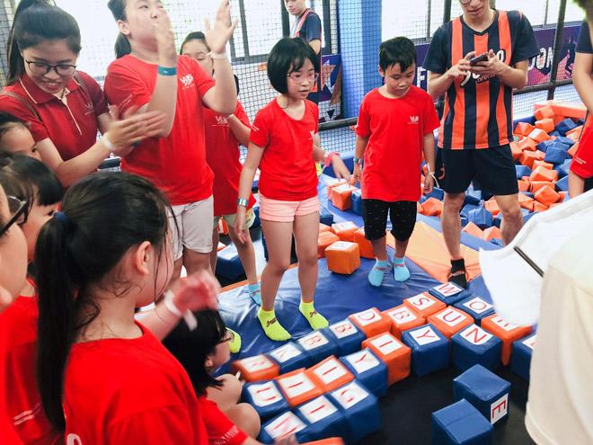 """Một ngày """"bật tung năng lượng"""" của các bạn nhỏ lớp tiếng Anh hè VUS Hà Nội - 3"""