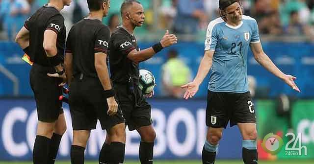 Đau tim Copa America: Uruguay - Suarez 3 lần tím mặt vì VAR ra sao?