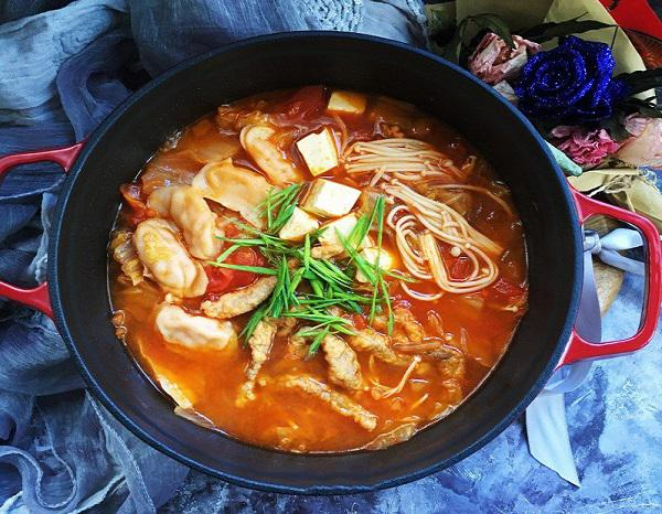 Chán cơm, mẹ đảm học người Hàn nấu miến ngon ngất ngây, ăn hoài không sợ tăng cân - 4