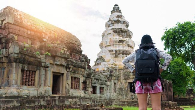 Bí quyết du lịch một mình an toàn dành cho phụ nữ - 1