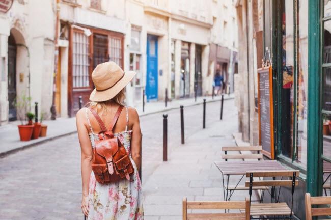 Bí quyết du lịch một mình an toàn dành cho phụ nữ - 11