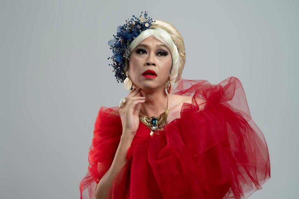 Danh hài Hoài Linh lên tiếng về nghi ngờ giới tính, kể chuyện vợ cũ không thích trang điểm, phấn son - 1