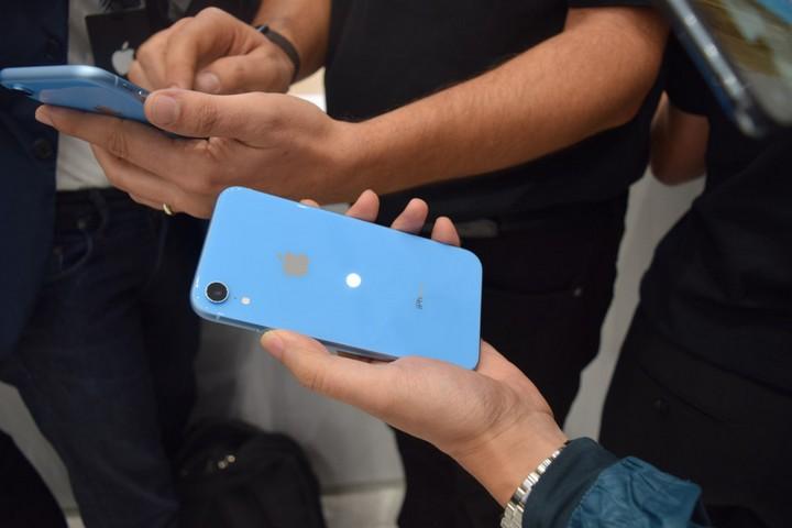 """Vẫn đang cực hot ở nước ngoài, mẫu iPhone này có còn """"đáng tiền"""" ở Việt Nam? - 2"""