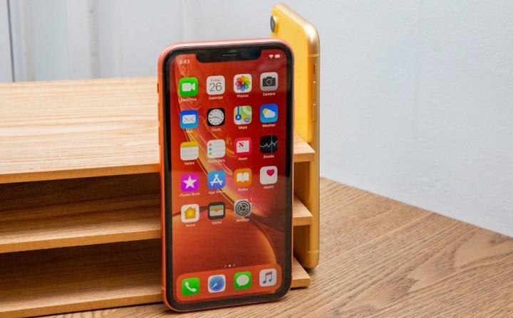 """Vẫn đang cực hot ở nước ngoài, mẫu iPhone này có còn """"đáng tiền"""" ở Việt Nam? - 4"""