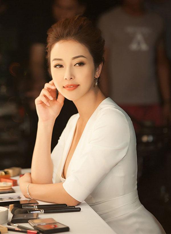 Eo đẹp như gái son của Jennifer Phạm sau 2 tháng đẻ con thứ 4 - 6