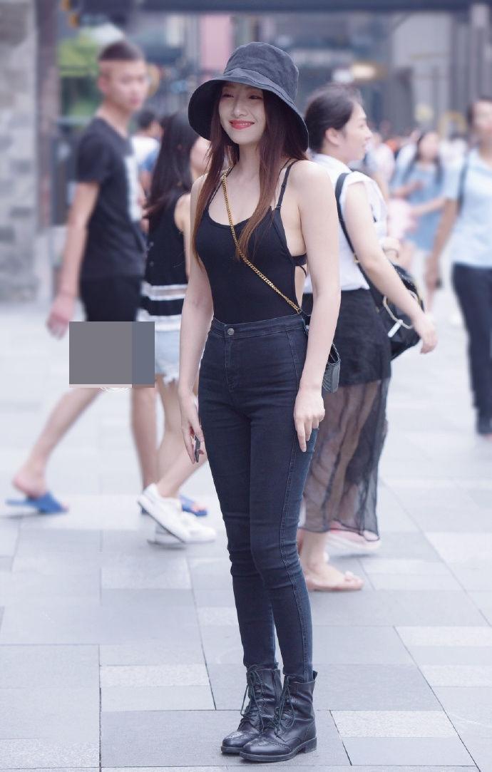 Thiếu nữ Trung Quốc diện áo hở lưng quá đẹp khiến ai cũng ngoái nhìn - 4