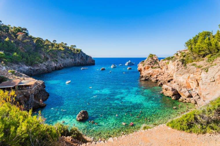 13 bãi biển có phong cảnh đẹp nhất thế giới - 11