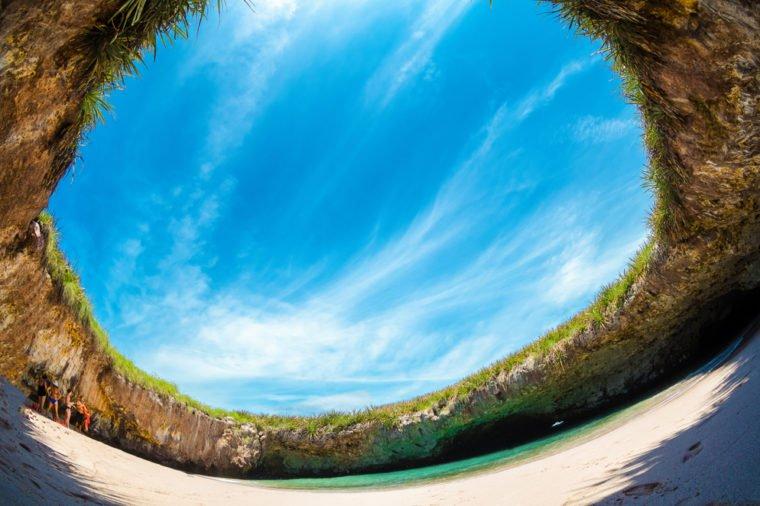 13 bãi biển có phong cảnh đẹp nhất thế giới - 6