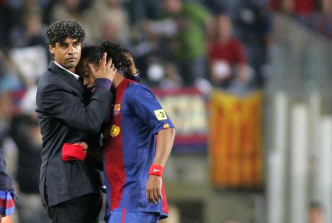 """Người giúp Ronaldinho và Messi lên đỉnh thế giới """"mất tích"""" đầy bí ẩn - 1"""