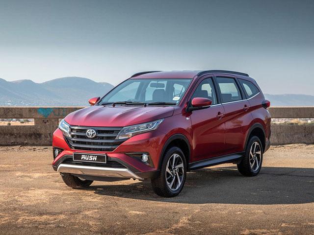 Toyota hiace 2020 tại việt nam rò rỉ giá bán cao hơn bản cũ gần 200 triệu đồng