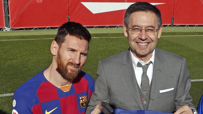 Barca họp khẩn vụ nội chiến: Chủ tịch Bartomeu gặp Messi làm gì? - 1