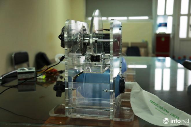 Cận cảnh máy trợ thở đầu tiên do chính tay người Việt Nam thiết kế và sản xuất - 2