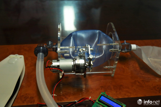 Cận cảnh máy trợ thở đầu tiên do chính tay người Việt Nam thiết kế và sản xuất - 10