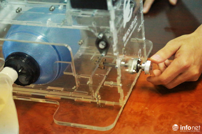 Cận cảnh máy trợ thở đầu tiên do chính tay người Việt Nam thiết kế và sản xuất - 9